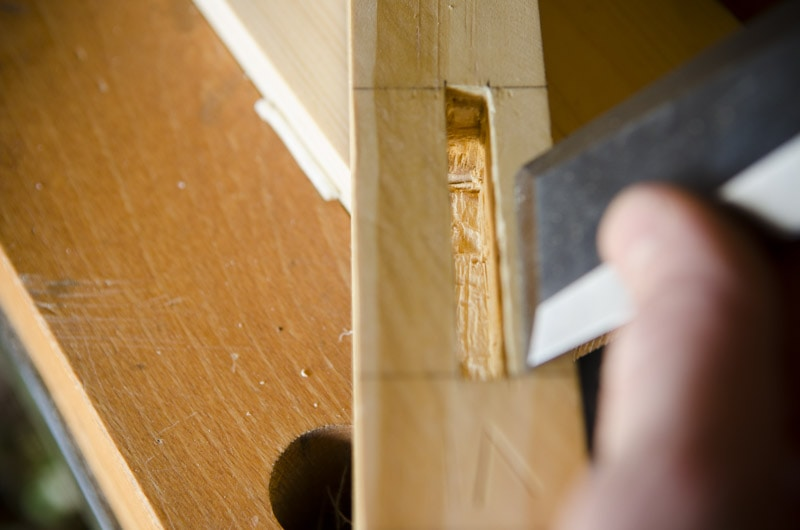 build-a-desk-with-hand-tools_WID2303