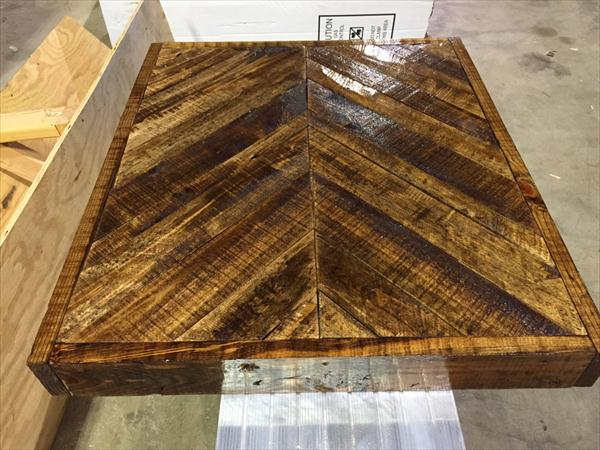 Diy Pallet Chevron End Table With Metal Legs Wooden