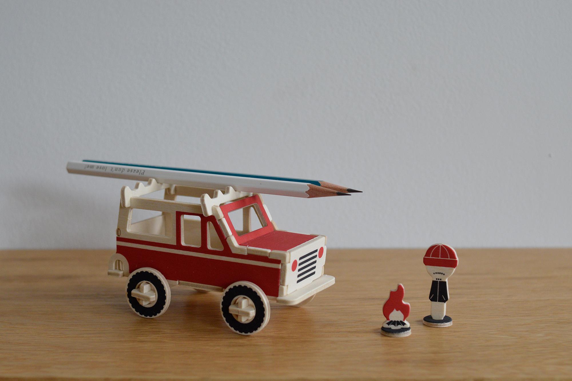 PLAY-DEKO / SPORT UTILITY VEHICLE SUV。