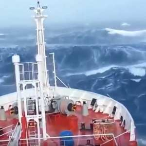 Ships in Storm videos