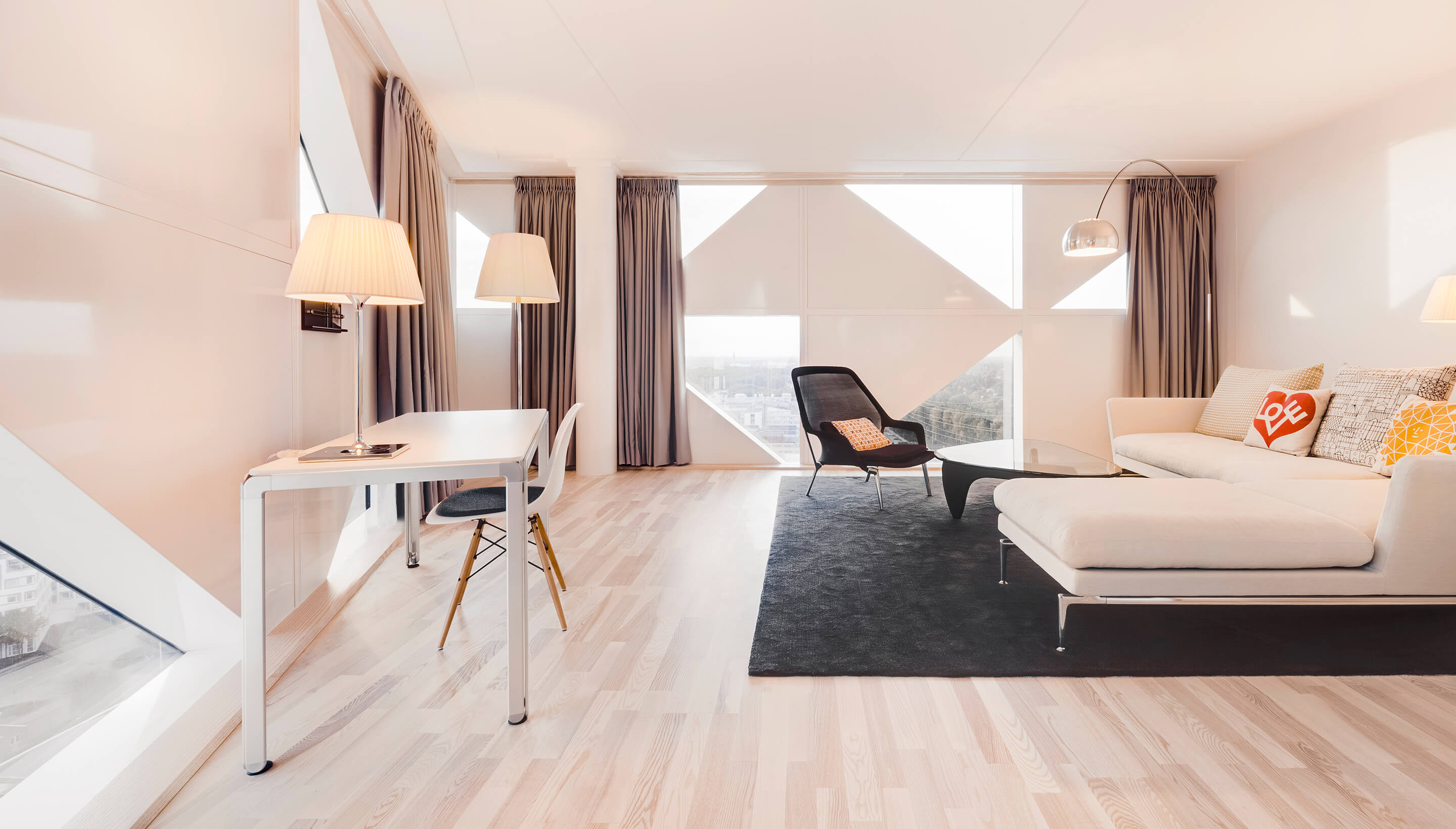 Vitra Eames Kussen : Vitra poltrona eames vitra eames la chaise chair by charles and