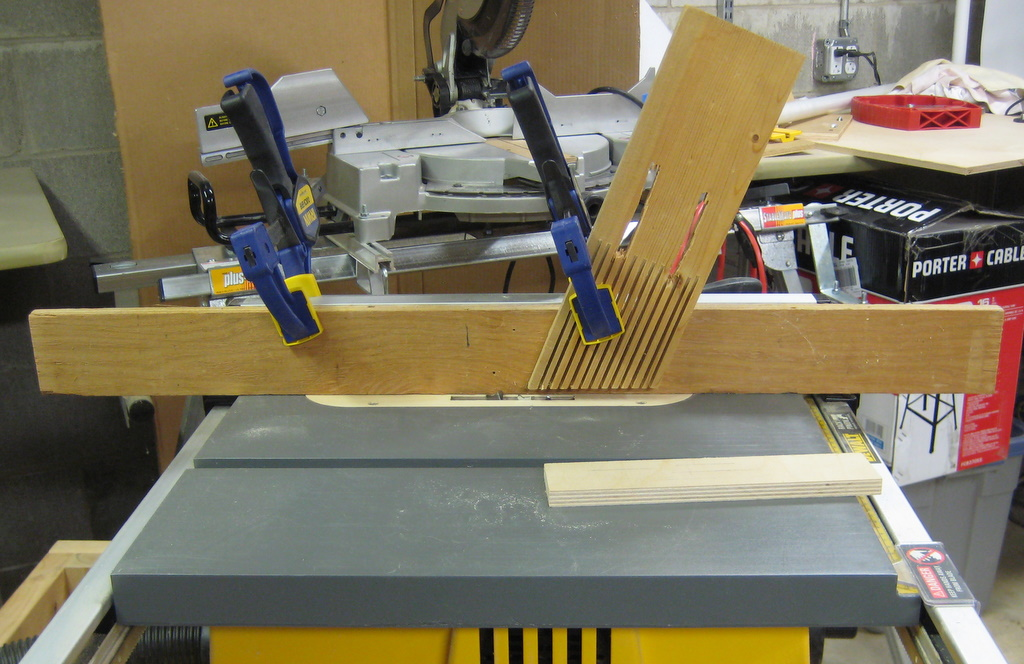 how to cut a rabbet with a router