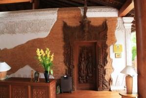 Tharabar Door