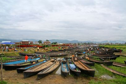 The many boats at the market