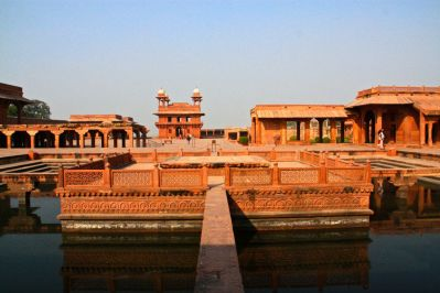 Fatehpur Sikri Courtyard 2
