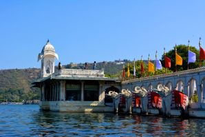 Jag Mandir Statues