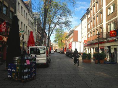Dusseldorf Bolkerstrasse Bars