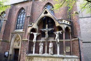 Dusseldorf St. Lambertus Basilica Statues