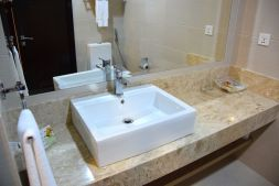 HG Tower Hotel Room Bathroom