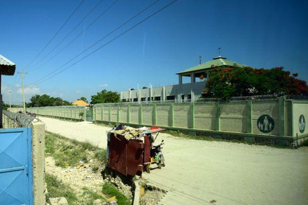 Port-au-Prince Street Scene Aid