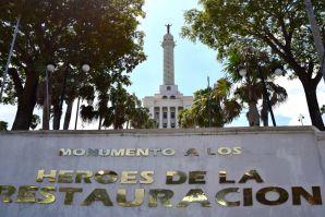 Santiago de los Caballeros Monumento a Los Héroes de la Restauración Sign