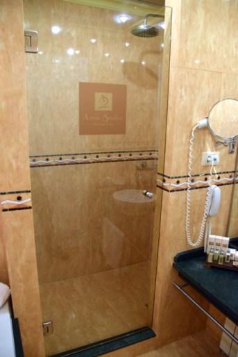 Arena di Serdica Room Bathroom