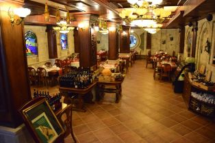 Dinasty Hotel Tirana Restaurant Lower Level