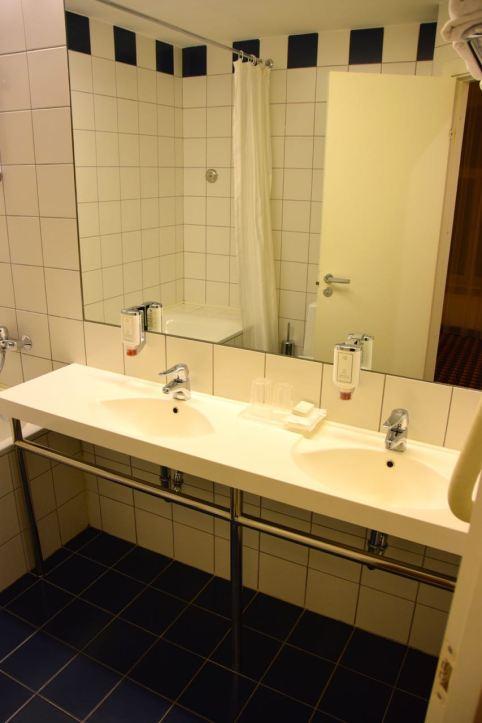 Hotel Kaunas Room Bath Sinks