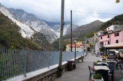 Carrara Colonnata Street View