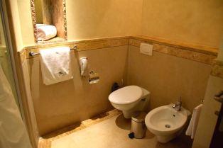Kempinski Ishtar Dead Sea Room Bathroom