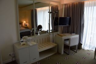 NJV Athens Plaza Hotel Room Desk