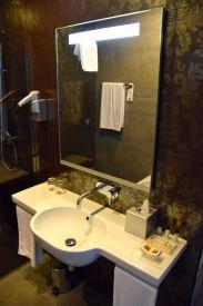 Palazzo Zichy Room Bath