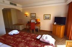 Corinthia Palace Hotel & Spa Room TV