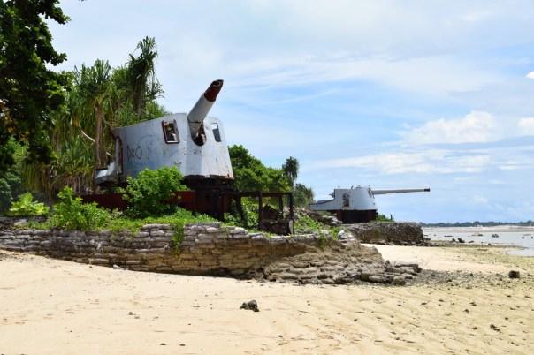 Kiribati Tarawa Japanese Guns