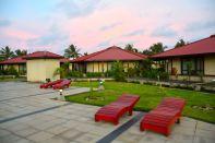 RLJ Kendeja Resort Pool Chairs