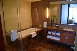 sofitel-malabo-room-bath