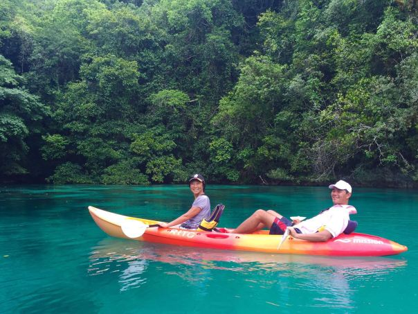 palau-kayaking