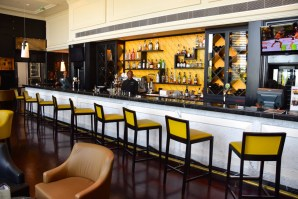 grand-papua-bar