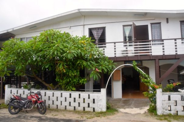 filamona-hotel-entrance