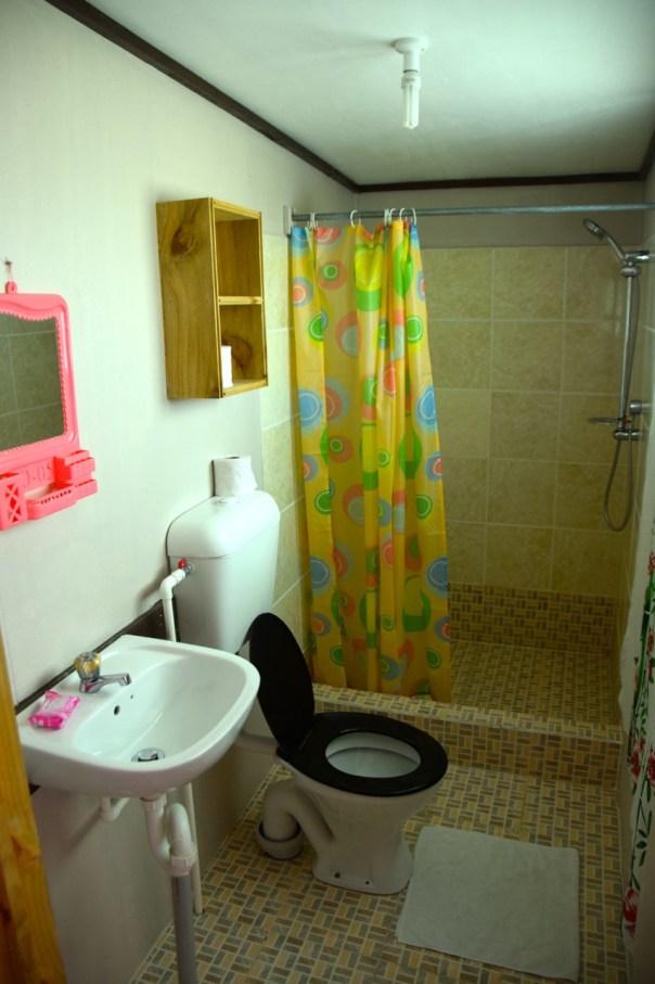 filamona-hotel-room-bathroom