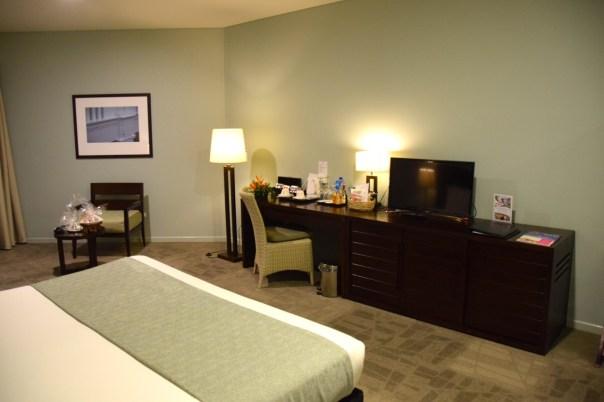 grand-pacific-hotel-room-desk