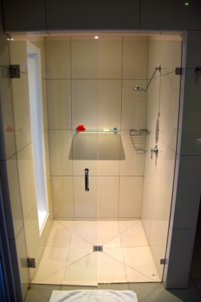 lomani-island-resort-room-shower-indoor
