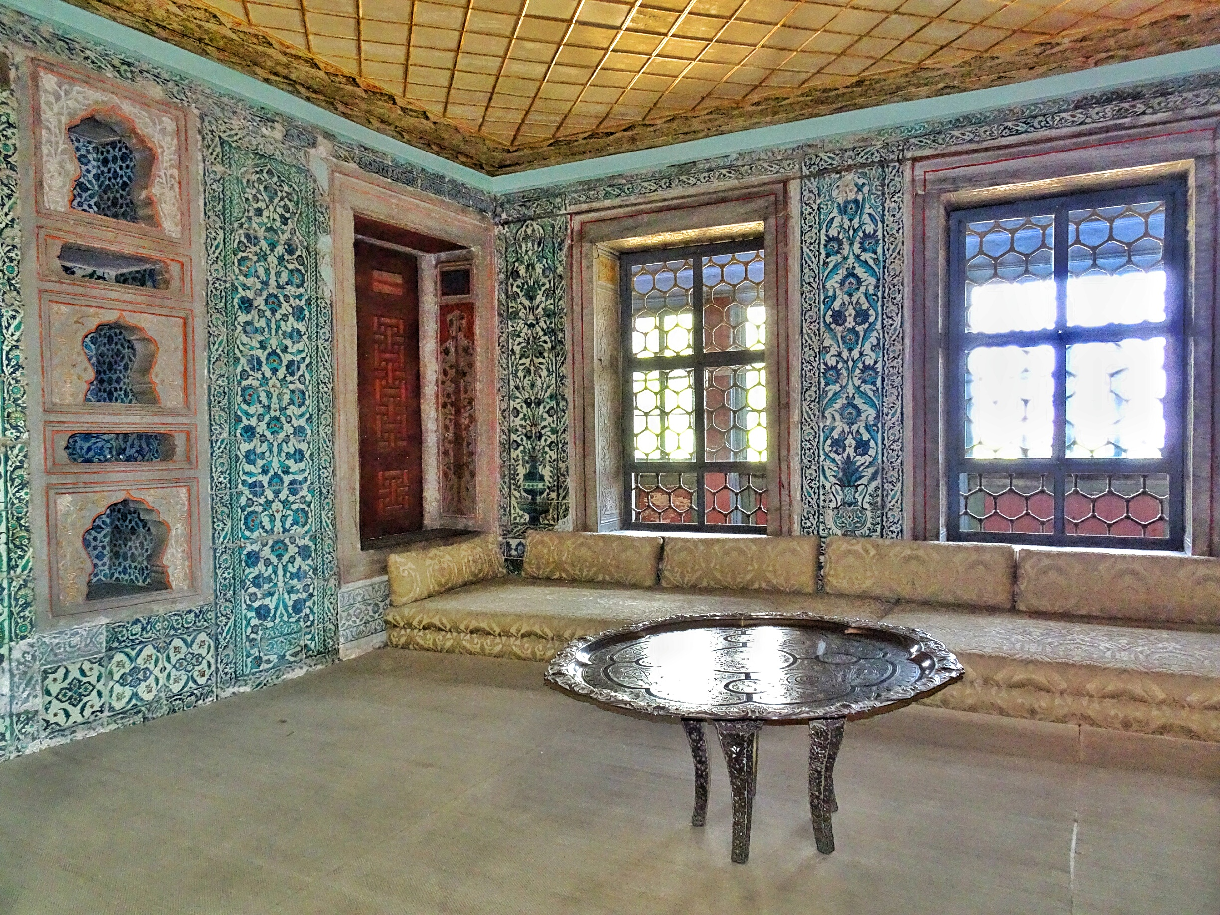 Rooms To Go Sofa Parts The Topkapi Palace And Its Harem; The Sultan's Heaven On