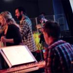 Your Love Takes Hold – Live Vineyard Worship [Spirit Burn] feat. Dan Wheeldon & Susanne Courtney