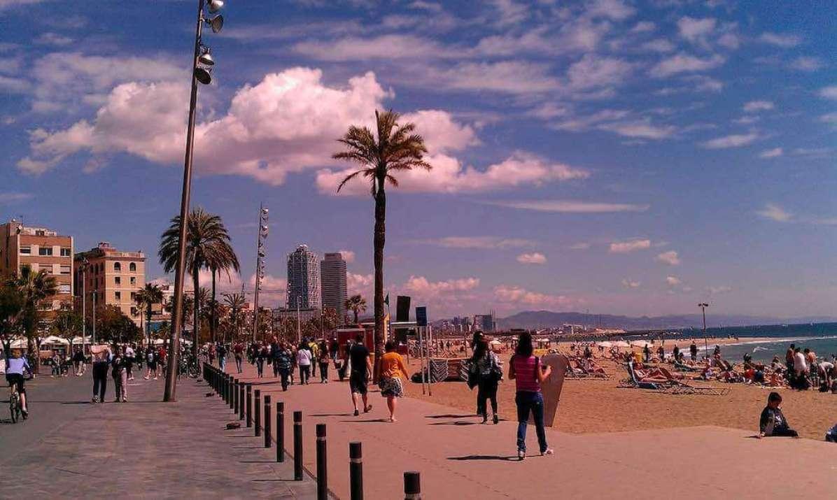 Barceloneta, Barcelona - by gorpol:Pixabay