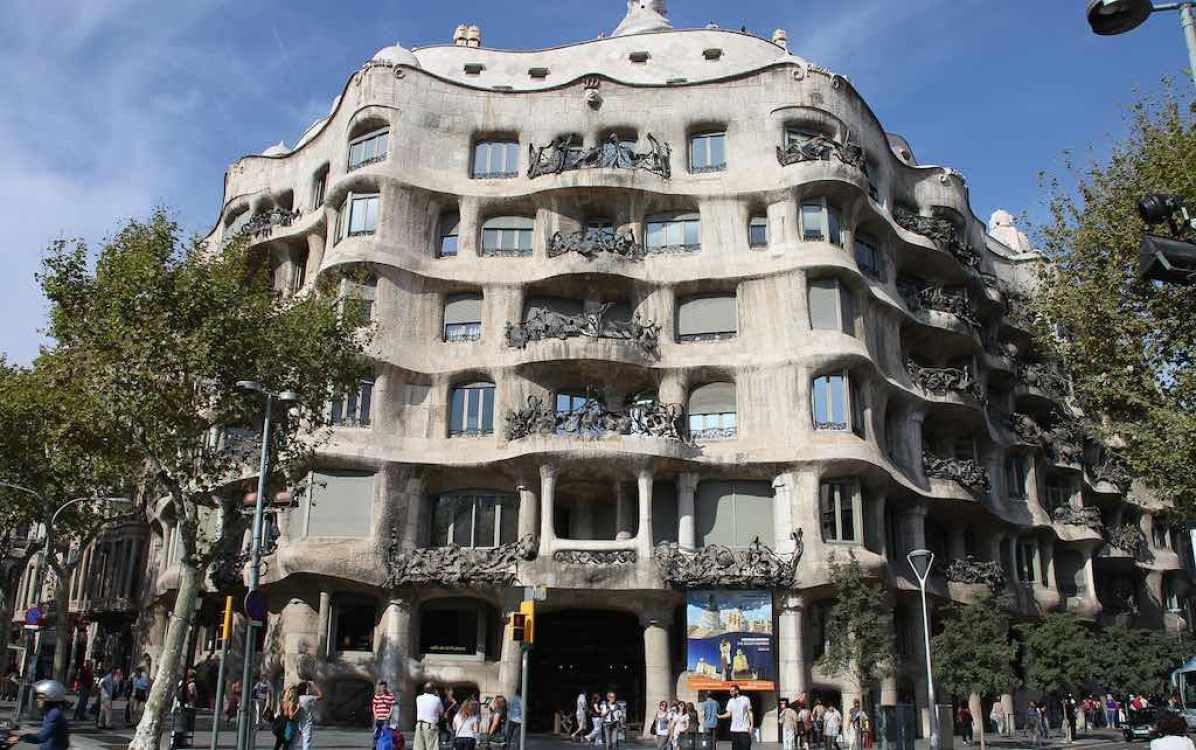 Casa Milà, Barcelona - by Rick Ligthelm:Flicker