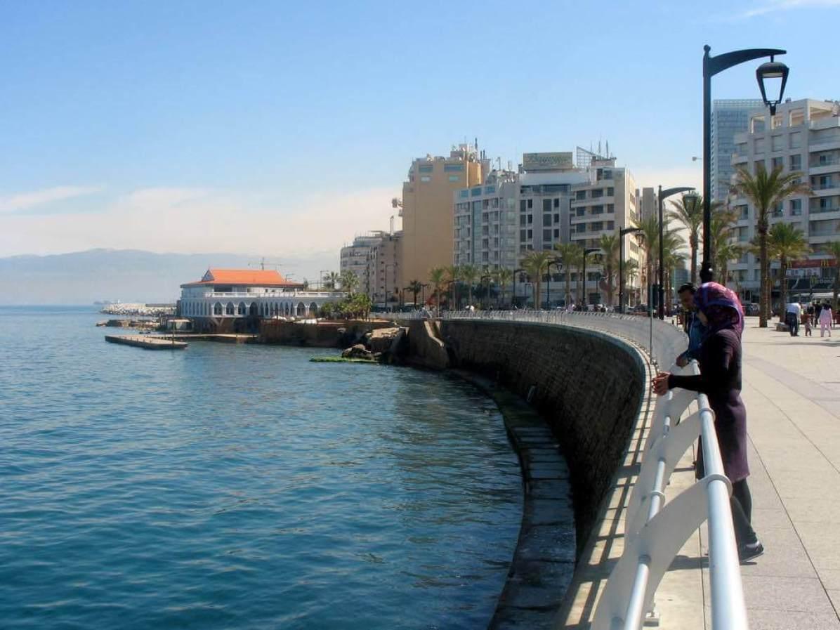 Corniche, Beirut - by marviikad:Flickr