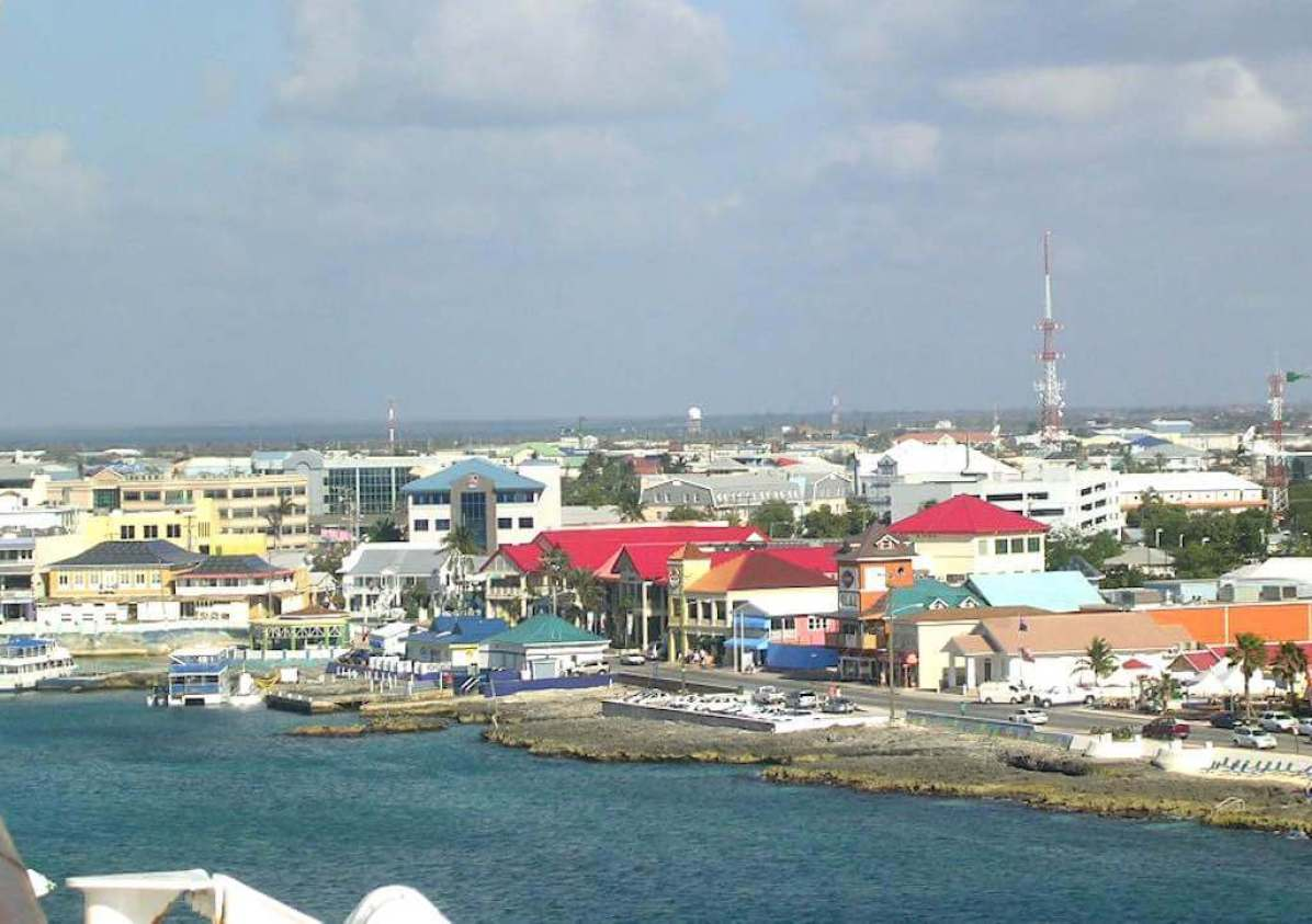 George Town, Cayman Islands - by Roger W - roger4336:FlickrGeorge Town, Cayman Islands - by Roger W - roger4336:Flickr