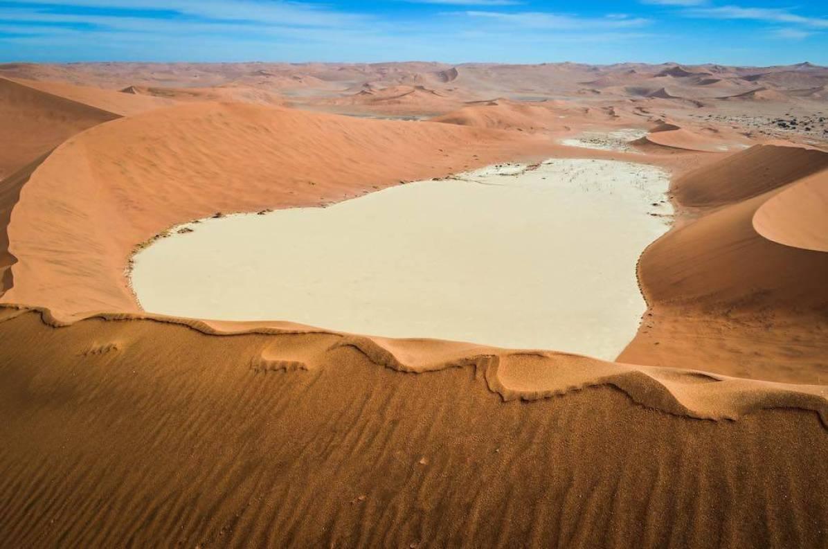 Sossusvlei Desert, Big Daddy dune, Namibia - by jbdodane:Flickr
