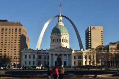 """Another photo of the famous St Louis arch and Old Court House. St Louis has long been known as the """"gateway to the west"""", in part because the first national highway came here from Baltimore MD, and the Missouri river flowed west from St Louis."""