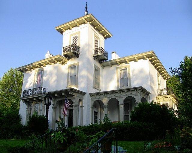 Home Architecture 101: Victorian