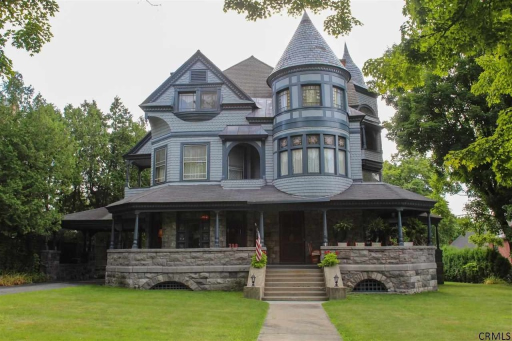 10 Victorian Homes To Swoon Over For Valentine'S Day - Zillow