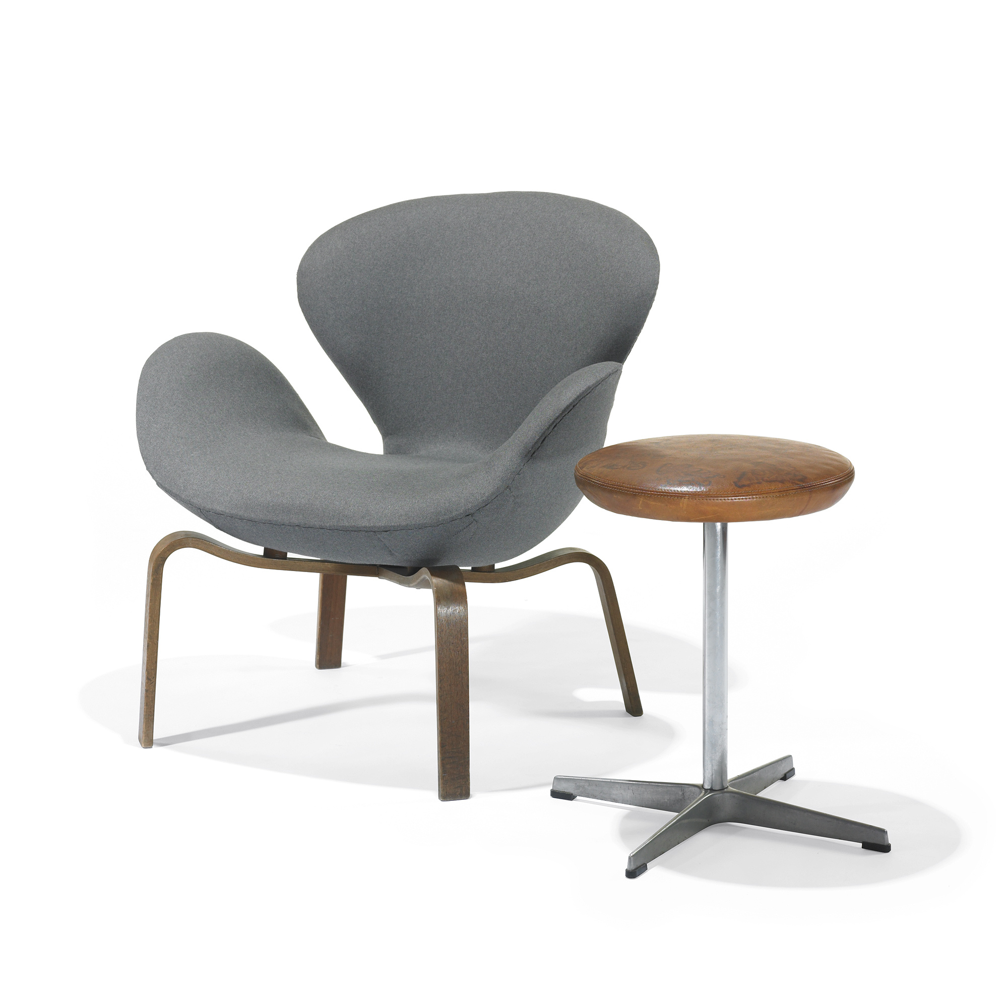 Arne Jacobsen Swan Chair 209: Arne Jacobsen, Swan Chair, Model 4325
