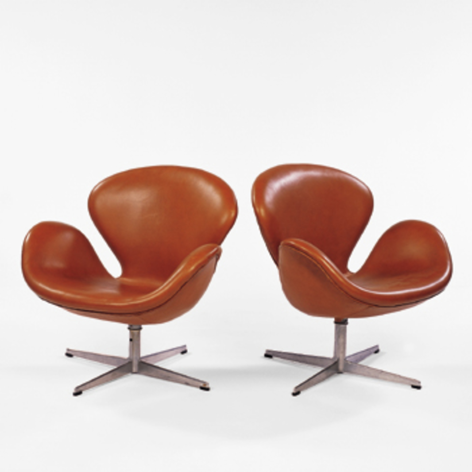 Arne Jacobsen Swan Chair 578: Arne Jacobsen, Swan Chairs, Pair