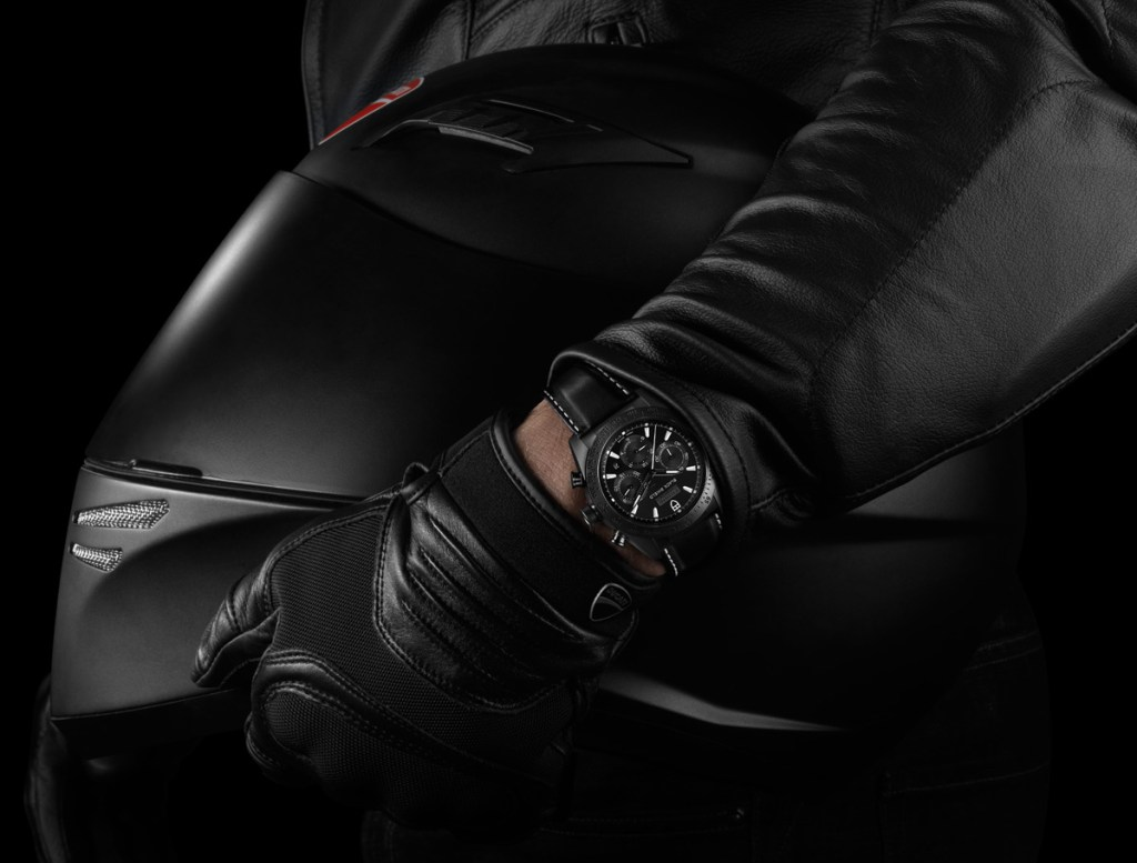 replica 2015 Tudor Fastrider Black Shield Black and White 42000CN Black Rubber