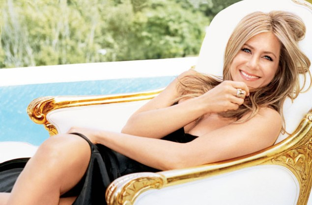 How Jennifer Aniston's signature changed after break-up with Brad