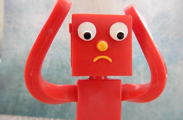 Who should authors contact about AuthorHouse complaints?