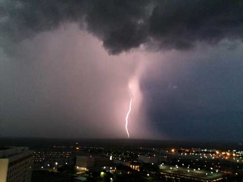 """Ack! Has Anybody Seen Toto?!?! Cool Storm Pics from the """"Home Office!!"""""""