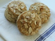 Almond-oat scones | writes4food.com