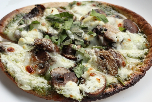 mushroom and 3-cheese pizza recipe | writes4food.com